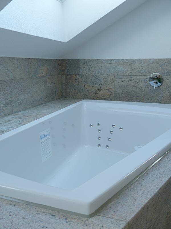 naturstein badewanne nadewannen naturstein badewanne with. Black Bedroom Furniture Sets. Home Design Ideas